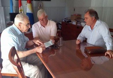 Presidente del Centro de Jubilados de nuestra localidad Sr. Remigio Nagel recibió aporte de Fascendini