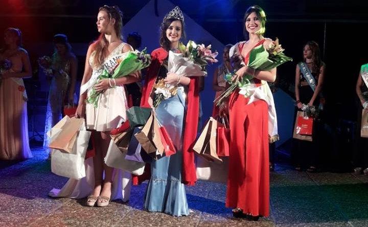 Camila Weidmann reina de Humboldt a sido coronada como Reina, anoche en la Fiesta Pcial del Durazno, en la localidad de Pavón Arriba