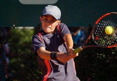 Bernardo Gay, del LTCE, animador del nuevo Abierto de tenis//El humbolense Giuliano Furlotti se prepara para gira Europea