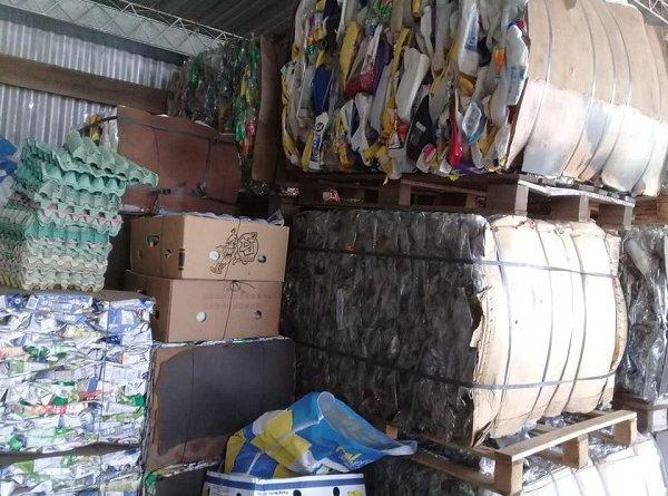 La responsabilidad de los habitantes de Humboldt en la separación de cartón y plastico