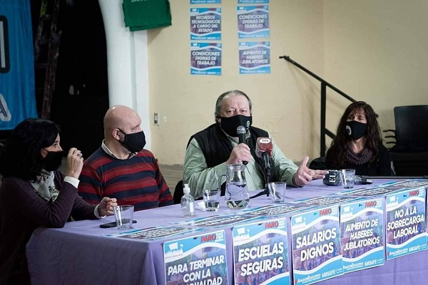 """Pedro Bayugar en conferencia de prensa """"Un """"bono"""" o suma fija, no remunerativa ni bonificable no es recomposición salarial"""