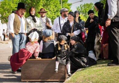 Rumbo a los 152 AÑOS Recuerdos….. Desfile de Colectividades, Candidatas a Embajadoras de Humboldt 2018, Carruajes, Maquinarias y Autos Antiguos.ver 120 fotos